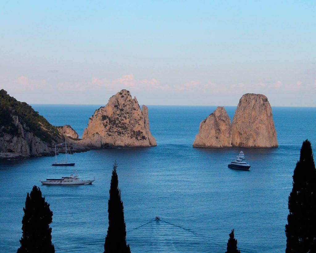 Le escursioni in barca a vela a Capri