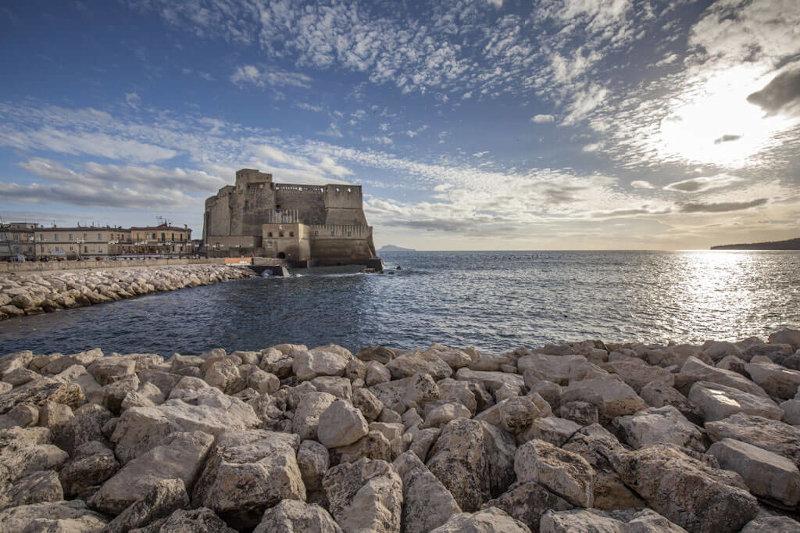 Visita la città di Napoli e il Castel dell'Ovo