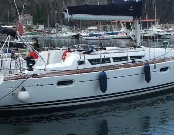Noleggia la barca a vela economica Sun Odissey 42 I