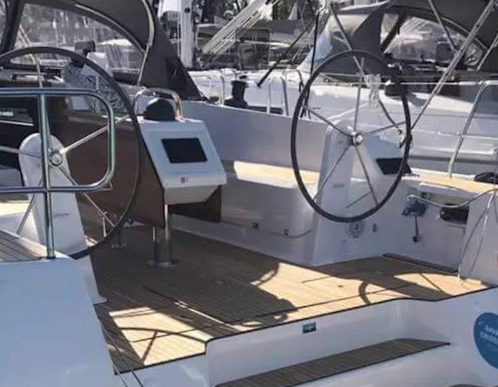 Noleggia la barca a vela 6 posti Bavaria Cruiser a Castellammare di Stabia/Napoli